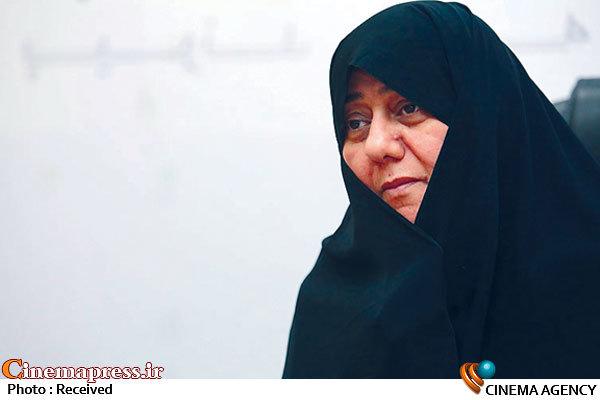 عضو شورای فرهنگی اجتماعی زنان از اهدای جایزه این نهاد به «قصر شیرین» انتقاد کرد روحافزا: سینمای ایران به حل مسائل مردم کمک نمیکند