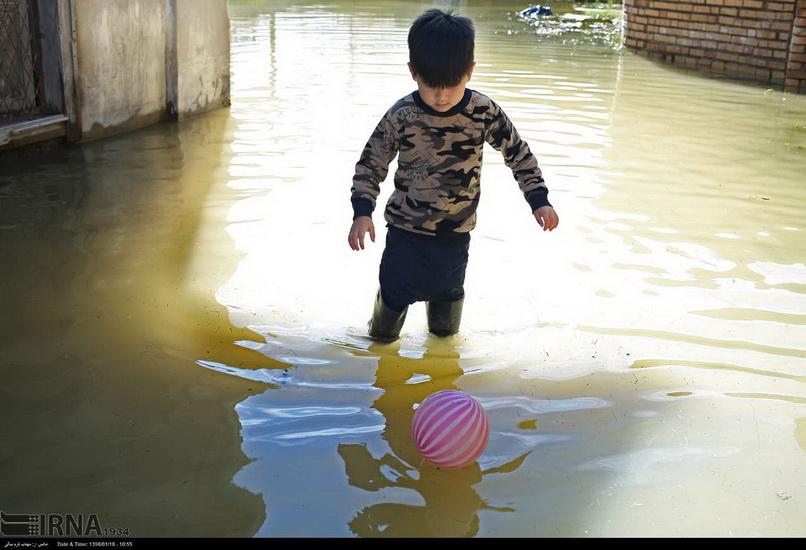 کودکان هراسیده از سیل را دریابیم فائزه طاهری*